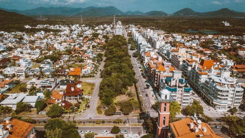 Vista de Jurerê Internacional, no Norte da Ilha de SC, que tem o metro quadrado mais caro de Florianópolis – Foto: Divulgação/ND