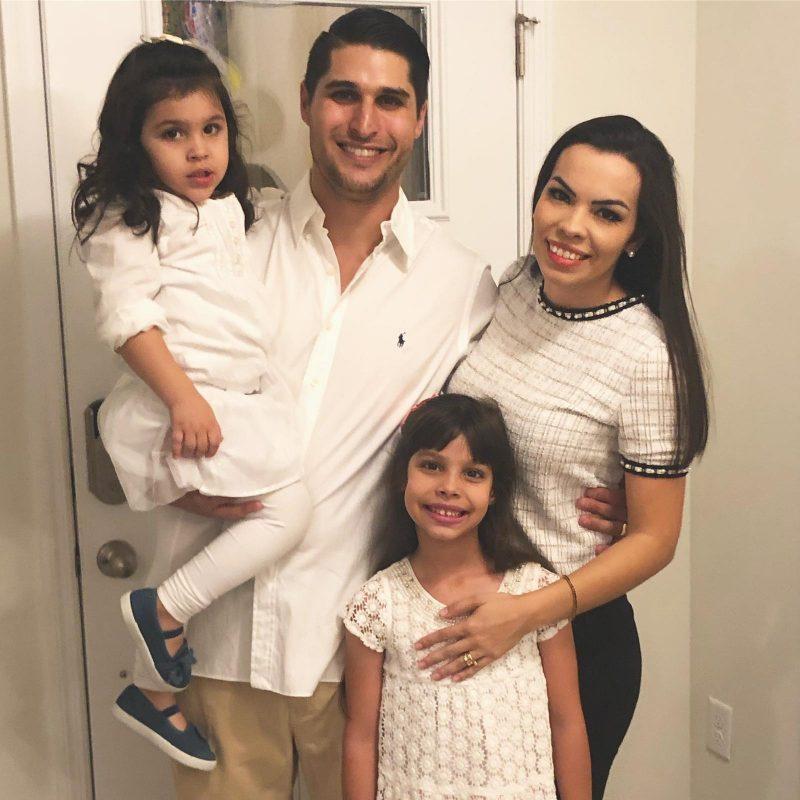 Laura e a família, de Itajaí, mudaram-se há três anos para os Estados Unidos, onde a inteligência da menina foi descoberta por uma psicóloga da escola onde ela estuda – Foto: Divulgação/ND