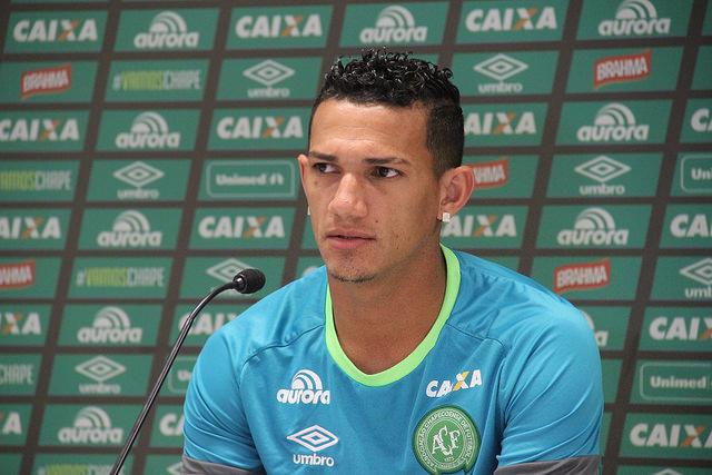 Lucas Gomes: com 26 anos foi atacante da Chapecoense. Natural de Bragança (PA) havia sido contratado pelo clube em 2016. Começou a carreira no Bragantino e passou por times como Fluminense. – Foto: Reprodução/Chapecoense