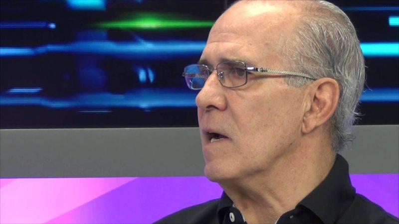 Mário Sérgio: o comentarista da Fox Sports tinha 66 anos. Era ex-jogador e ex-técnico de futebol. Jogou pelo São Paulo, Botafogo e Fluminense e treinou o São Paulo e o Corinthians. Também trabalhou na TV Bandeirantes. – Foto: Reprodução/Fox Sports