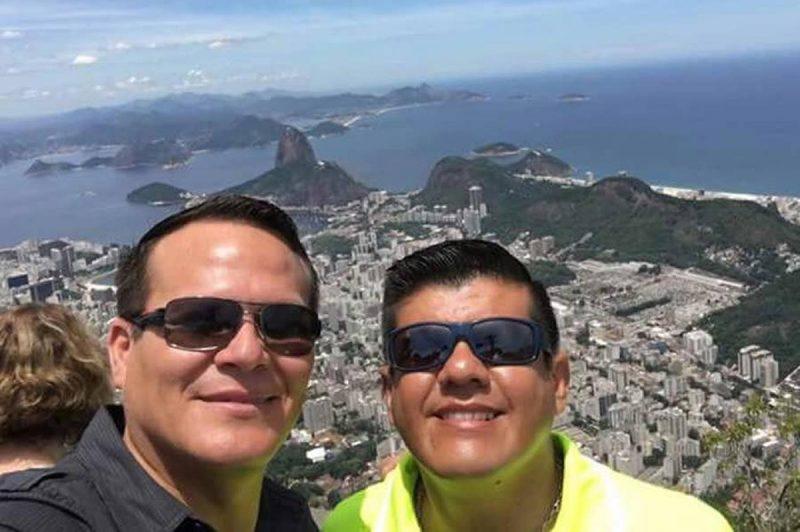 Ovar Fernando Goytia (a direita): tinha 46 anos e era copiloto do avião da LaMia e foi membro da Força Aérea Boliviana. – Foto: Arquivo Pessoal