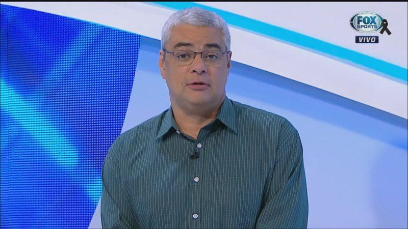 Paulo Julio Clement: o jornalista tinha 51 anos e era comentarista do canal da Fox Sports. Era natural do Rio de Janeiro e trabalhou nos jornais O Globo, Jornal do Brasil, na rádio CBN e desde 2012 estava na Fox. – Foto: Reprodução/Fox Sports