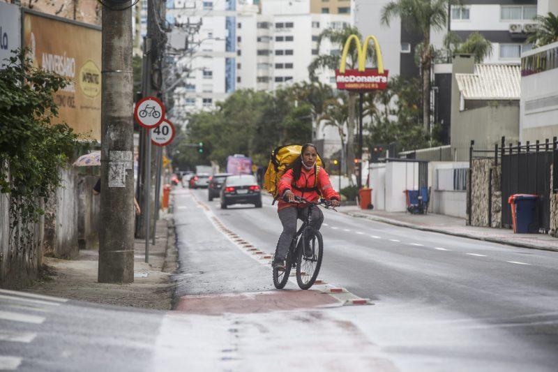 Bicicleta passou a ser vista como meio de transporte e não apenas de lazer. Foto: Anderson Coelho/ND