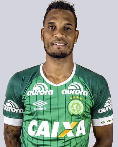 Thiego: William Thiego tinha 30 anos e era zagueiro da Chapecoense, onde estava desde 2015. Foi revelado no Sergipe e também jogou no Grêmio. – Foto: Reprodução/Chapecoense