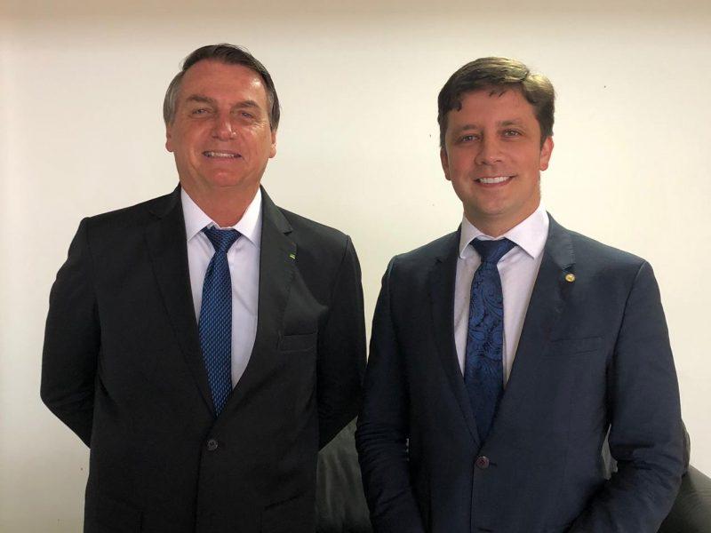 Prefeito de Balneário Camboriú apresenta projeto a Bolsonaro – Foto: Reprodução Instagram