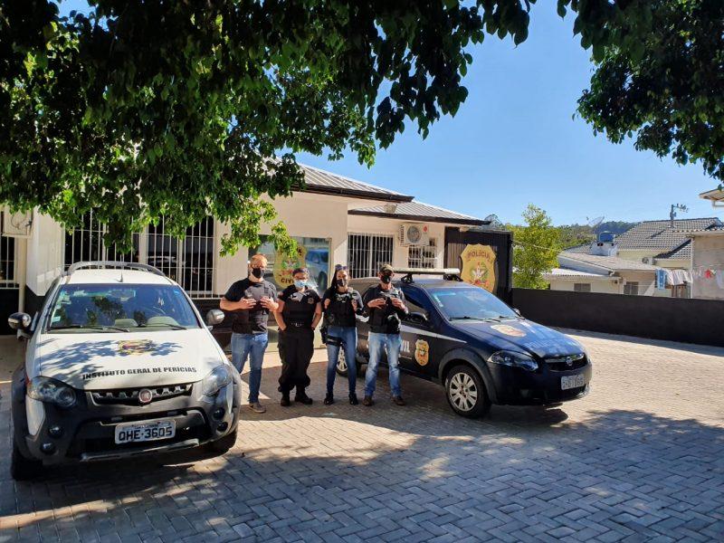 Homem suspeito por baixar conteúdos de cunho pornográfico infantil é preso em flagrante – Foto: Polícia Civil