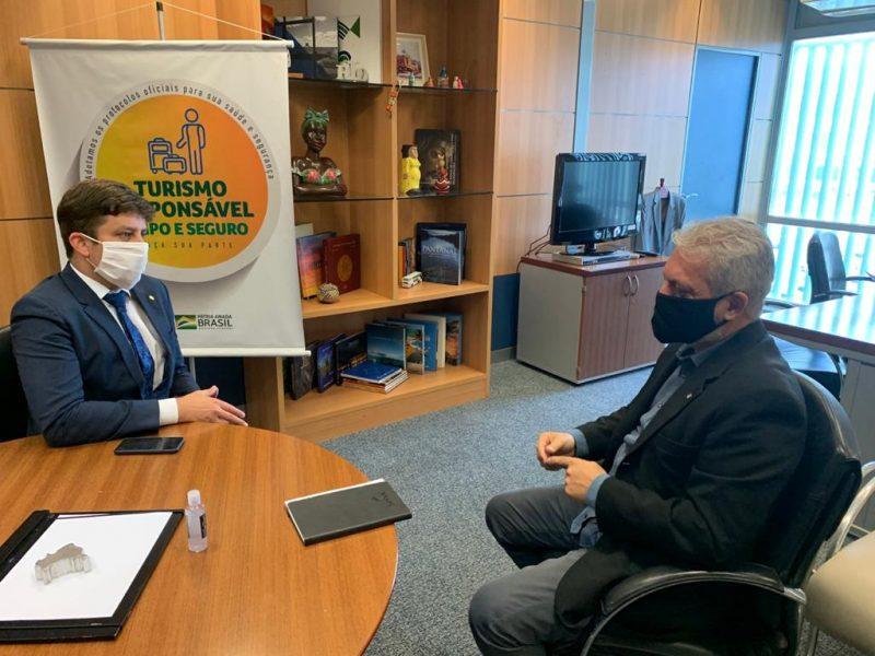 Prefeito de Balneário Camboriú em reunião com o secretário Nacional de Turismo – Foto: Assessoria da presidência