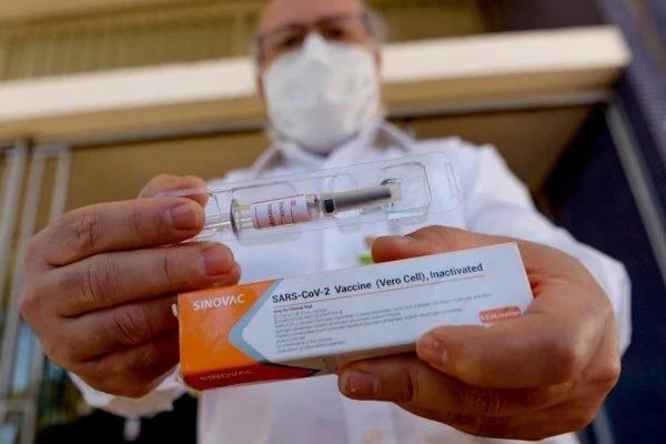 Fecam prevê que cidades catarinenses tenham acesso às doses da Coronavac no dia 25 de janeiro – Foto: Jacqueline Lisboa/Metrópoles/ND