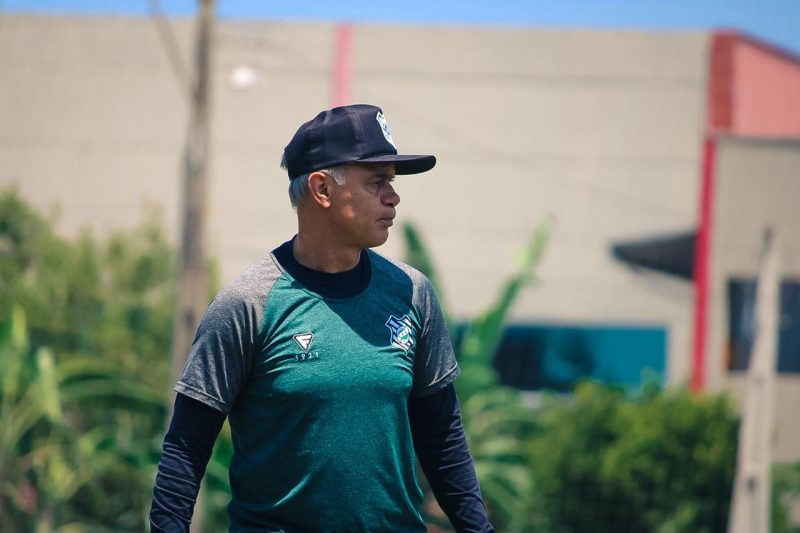 Técnico Jorginho otimista com as melhoras no Figueirense – Foto: Patrick Floriani/FFC/ND