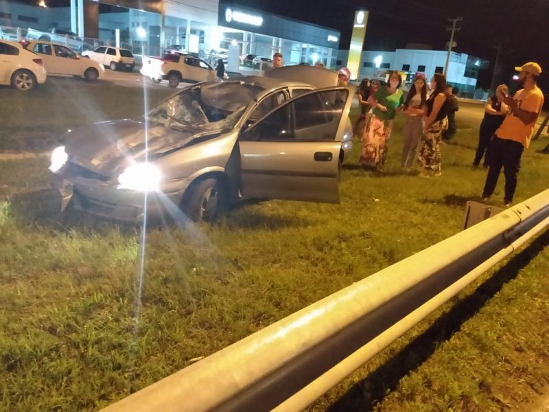 Apesar do susto, motorista teve apenas ferimentos leves – Foto: Corpo de Bombeiros Militar/Divulgação