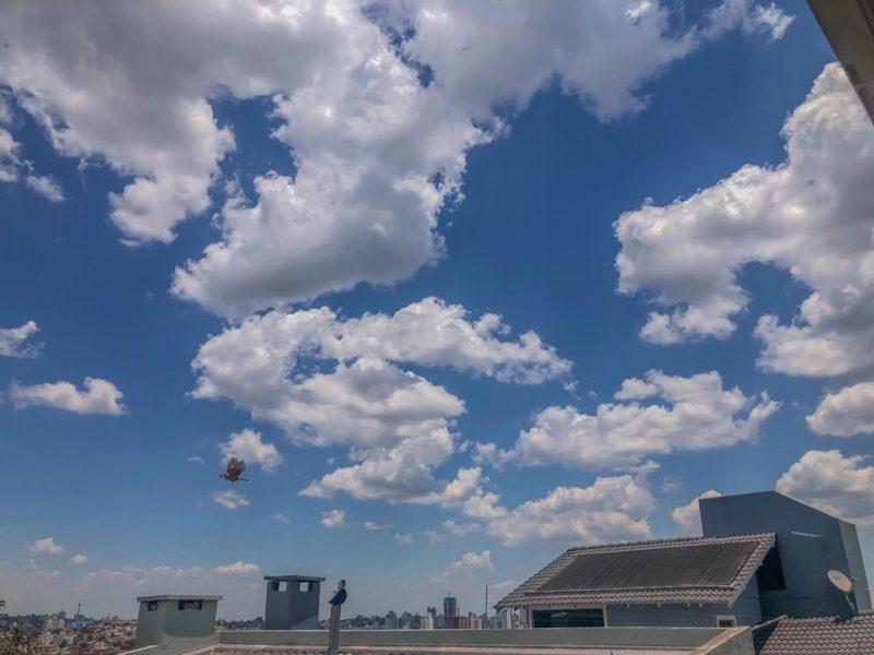 Na tarde desta terça-feira (17) a umidade deve ficar abaixo de 30% na porção Oeste – Foto: Willian Ricardo/ND