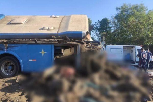 Rodovia precisou ser interditada para o resgate das vítimas – Foto: Arquivo Pessoal/Reprodução