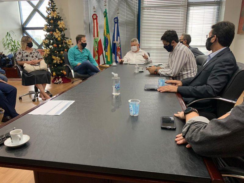 Equipes de transição do prefeito eleito Adriano Silva e da atual administração se encontram nesta segunda-feira, dia 30 – Foto: Maikon Costa