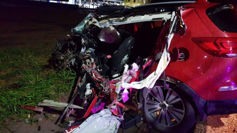 Motorista do carro de passeio foi hospitalizado em estado grave – Foto: Divulgação/ND