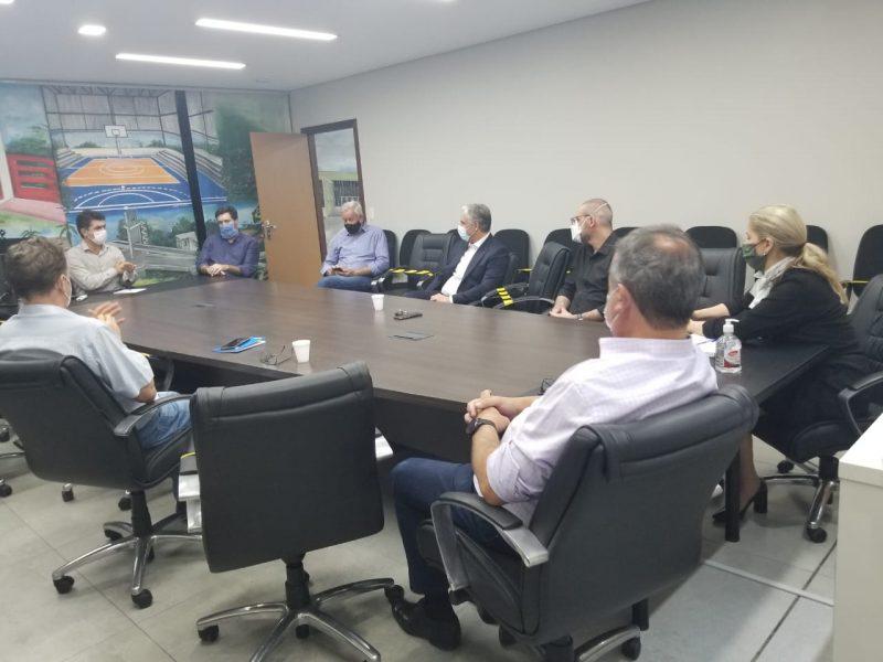 Reunião nesta quinta-feira reuniu prefeitura e hospitais – Foto: Divulgação/ND