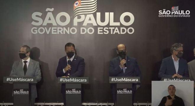 Vacina da Covid-19 já tem data para chegar ao Brasil. Confirmação foi feita pelo governador Doria durante coletiva realizada nesta segunda – Foto: Divulgação/ND