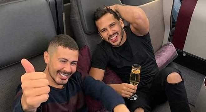 Desespero! Avião com Carlinhos Maia e o marido Lucas Guimarães é atingido por raio – Foto: Reprodução/ND