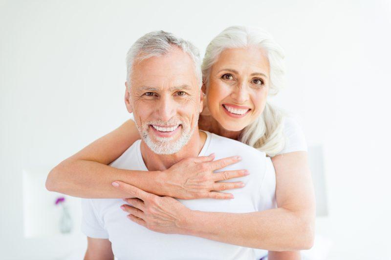 Sempre é tempo de melhorar a autoestima, com implantes dentários. Foto: Divulgação/ND.