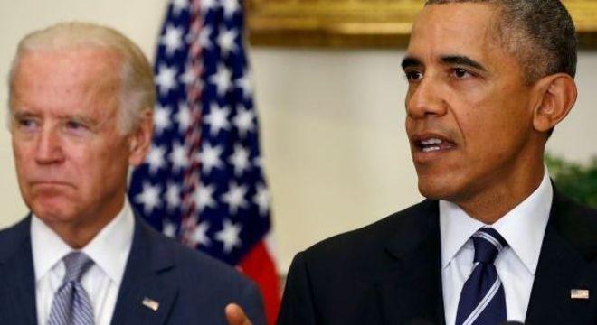 Joe Biden ao lado do ex-presidente Barack Obama, na época em que era vice. – Foto: Jonathan Ernst/Reuters