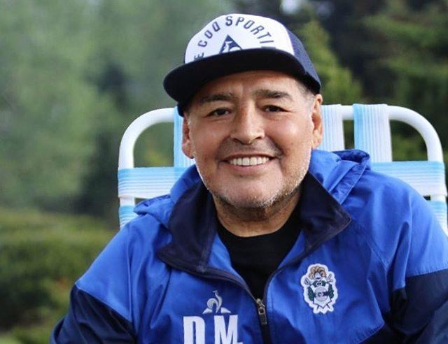 Maradona passou por procedimento cirúrgico na noite desta terça-feira – Foto: Reprodução/Instagram/Gimnasia y Esgrima La Plata