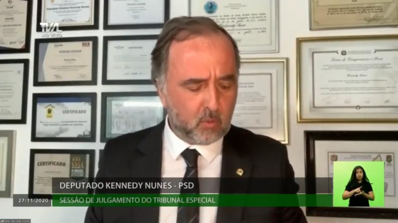 Kennedy Nunes (PSD) participou da sessão virtualmente, em razão da infecção por Covid-19 da qual se recupera – Foto: TVAL/Divulgação/ND