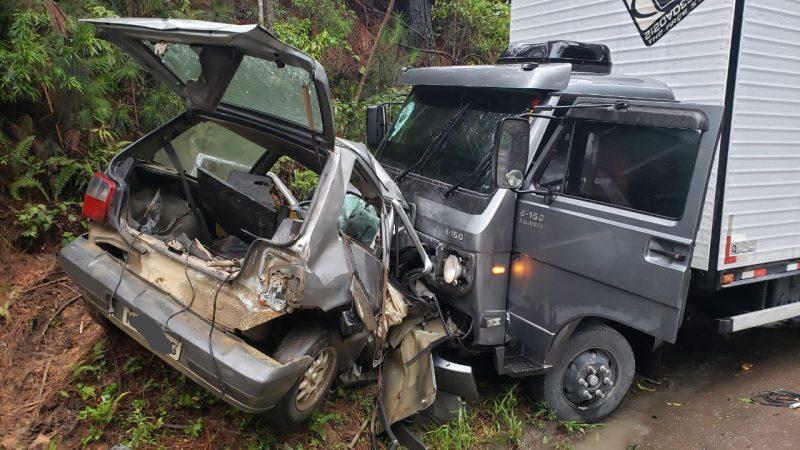 Uma pessoa morreu em acidente na BR-470 no mês de dezembro de 2019 – Foto: Divulgação/Corpo de Bombeiros