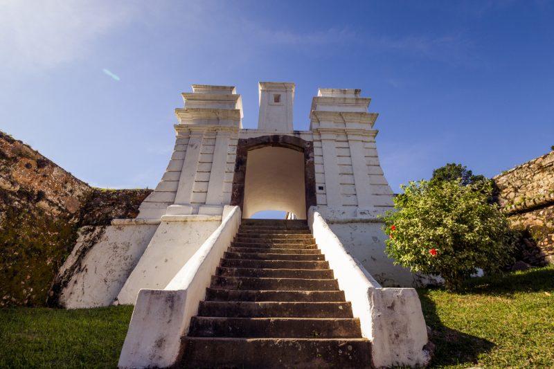 Fortaleza de Santa Cruz, na Ilha de Anhatomirim – Foto: iStock/Divulgação