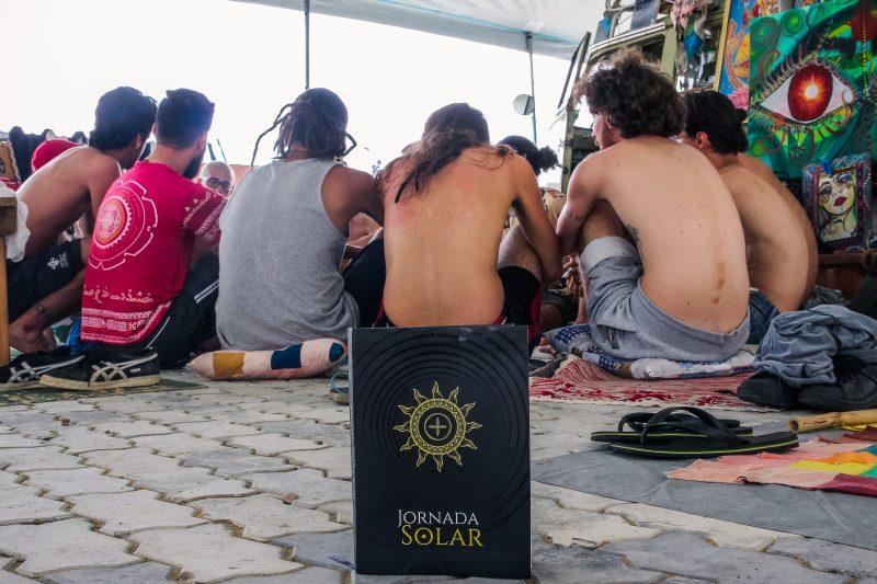 Em Florianópolis, grupo de homens se reúne todo mês para discutir as formas de relacionamento – Foto: Gustavo Paitch/Divulgação/ND