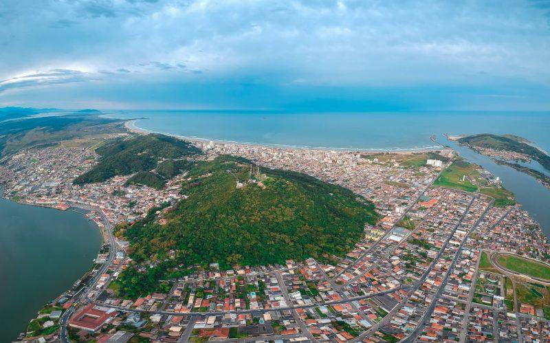 Região de Laguna foi reclassificada para nível grave no mapa de risco de Covid-19 – Foto: Bismarck Medeiros Marinho/Divulgação
