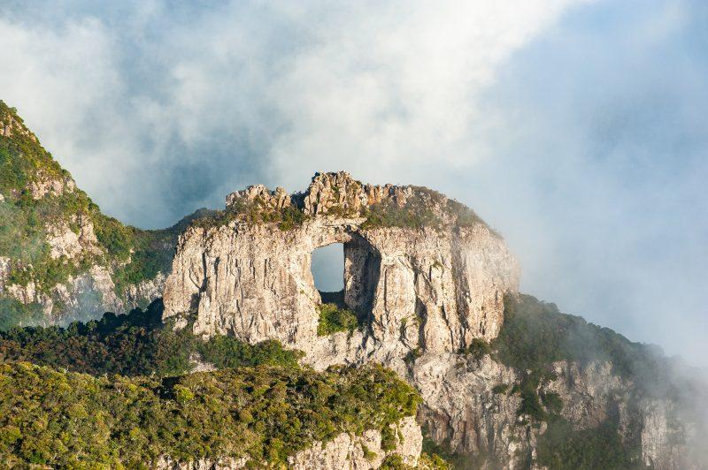 Pedra Furada, em Urubici – Foto: iStock/Divulgação