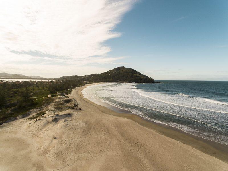 Praia da Ferrugem, em Garopaba – Foto: Prefeitura Municipal de Garopaba/Divulgação