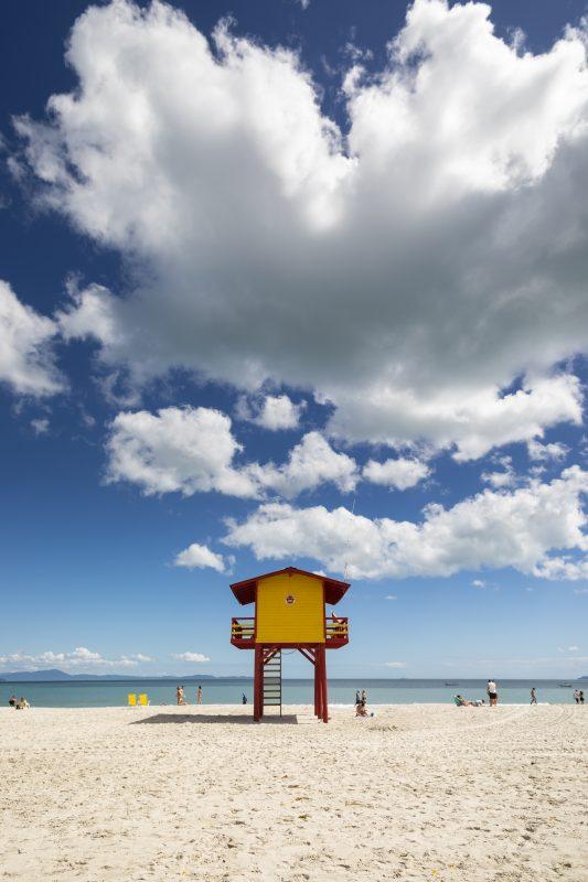 Praia de Canasvieiras, em Florianópolis – Foto: Marcos Campos