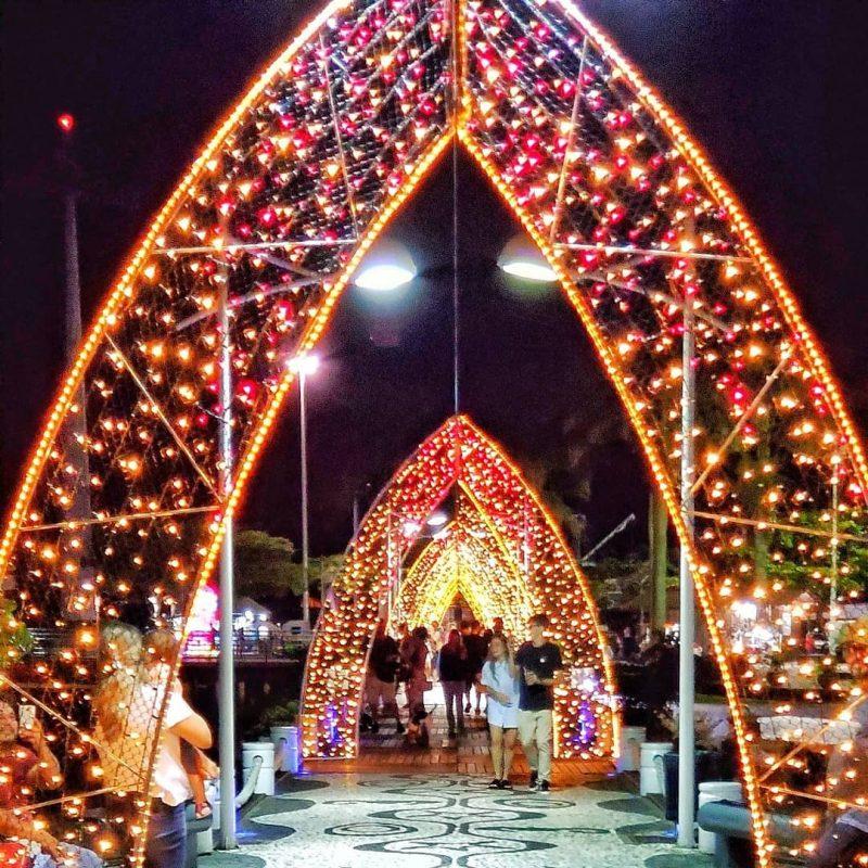 Decoração iluminada de Natal de 2019, em Balneário Camboriú.