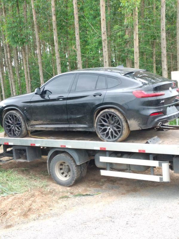 Como noticiado desde o início, os assaltantes usaram veículos de luxo durante a ação, assim como a BMW/X4 (foto) – Foto: Divulgação/ND