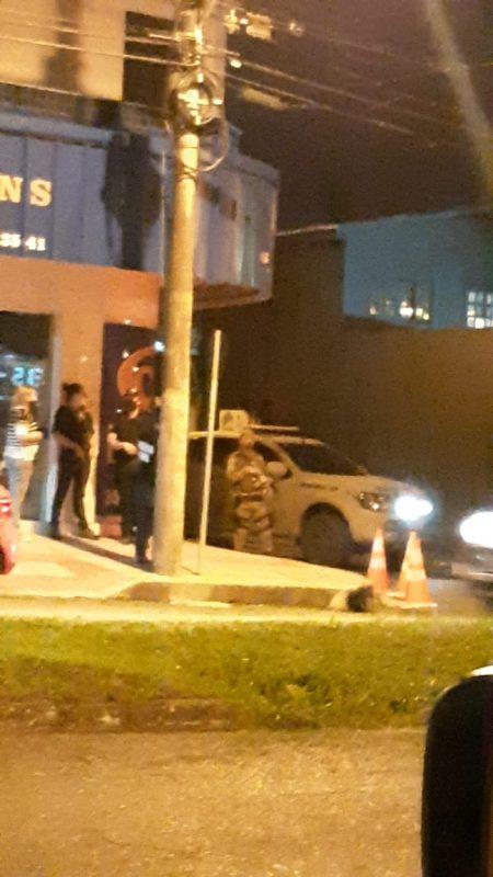 Pelo menos cinco suspeitos foram presos no início da noite desta quarta-feira (2). – Foto: Reprodução/ND