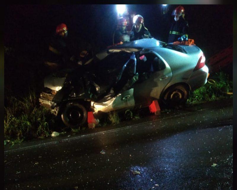 Carona do carro foi encaminhado em estado grave para o Hospital São Francisco, de Concórdia – Foto: Corpo de Bombeiros/Atual FM