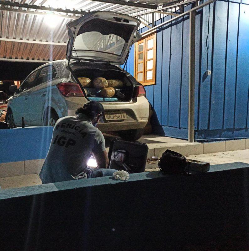 Veículo era utilizado como depósito de drogas – Foto: Reprodução/Polícia Civil