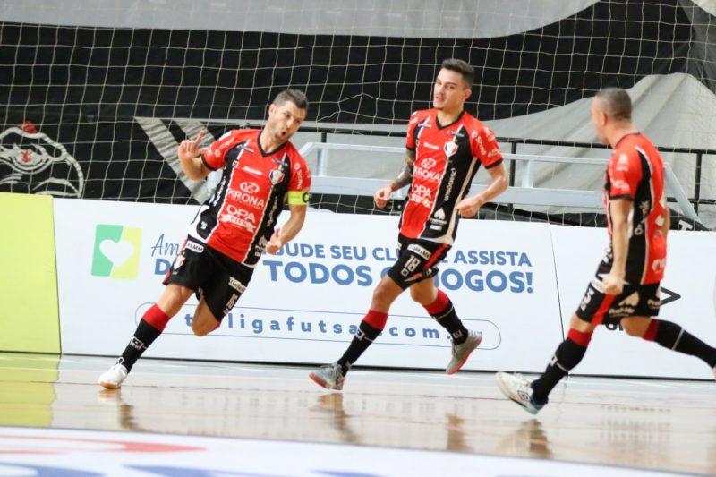Genaro marcou, mas não foi suficiente para segurar o Corinthians jogando em casa – Foto: Juliano Schmidt/JEC/Krona
