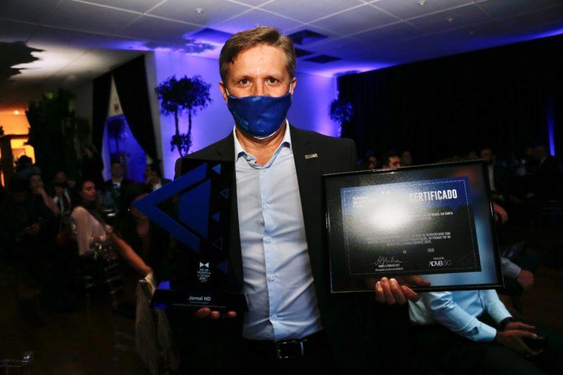 Roberto Bertolin, recebeu o prêmio pelo Grupo ND – Foto: Anderson Coelho/ND