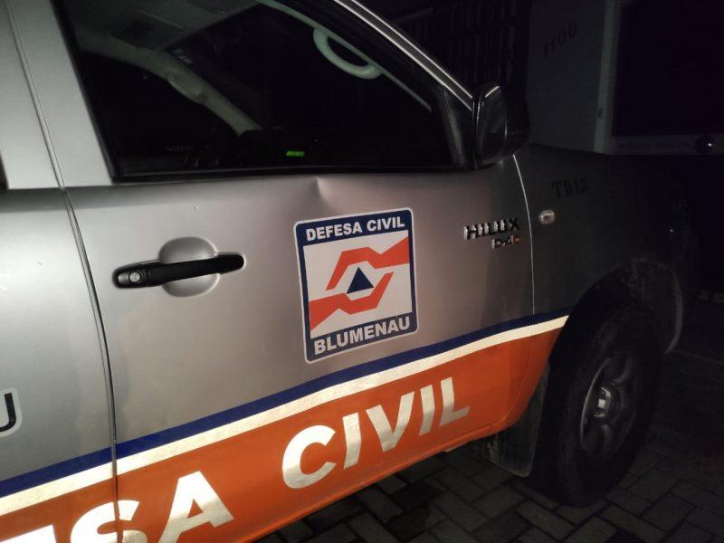 Agentes da Defesa Civil de Blumenau foram agredidos em bar que estaria descumprindo medidas sanitárias. – Foto: Defesa Civil/Divulgação/ND