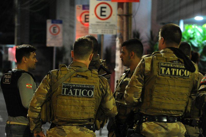 Madrugada de tensão e tiroteio na cidade de Criciúma, com assalto a dois bancos no centro da cidade e dissipou o medo na população – Foto: CAIO MARCELLO/AGIF/ESTADÃO CONTEÚDO