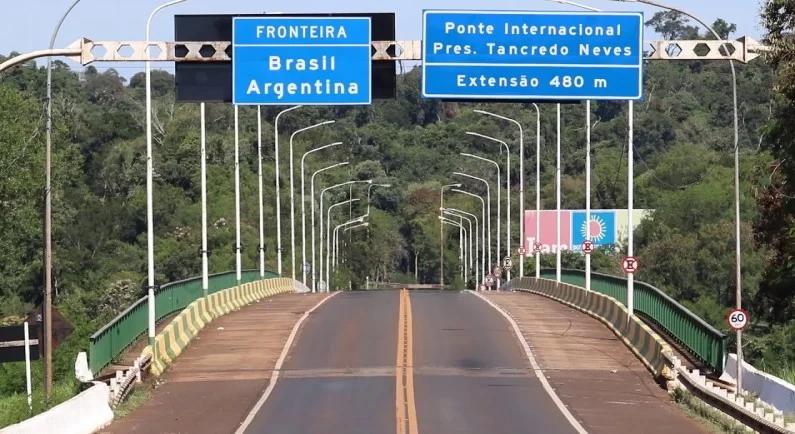 As duas cidades são ligadas pela Ponte Internacional Presidente Tancredo Neves – Foto: RIC Mais/Divulgação/ND