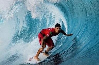 Gabriel Medina ficou atrás do havaiano John John Florence no Pipe Masters no Havaí – Foto: Instagram/Divulgação
