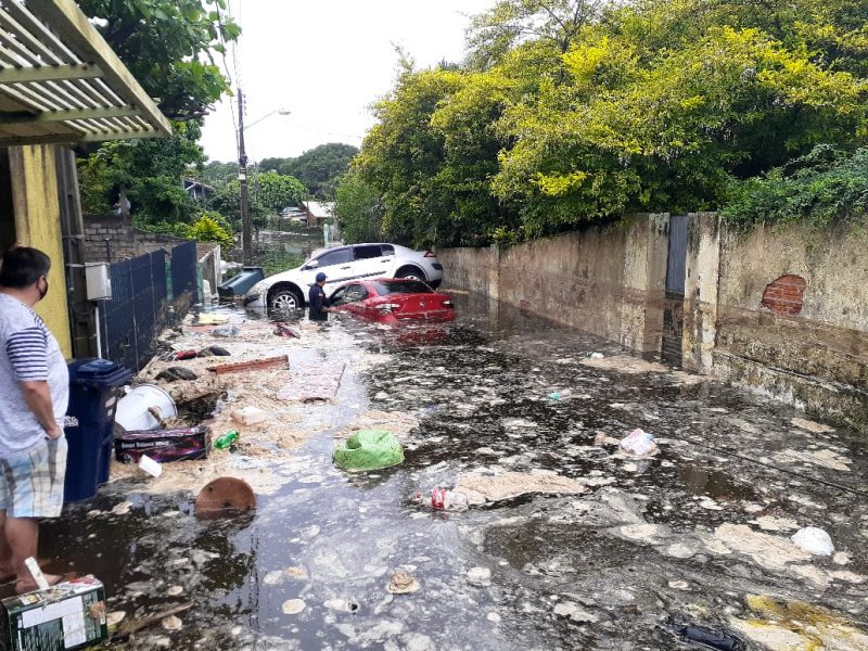 Lagoa da Conceição após rompimento de canos da Casan – Foto: Divulgação/ND