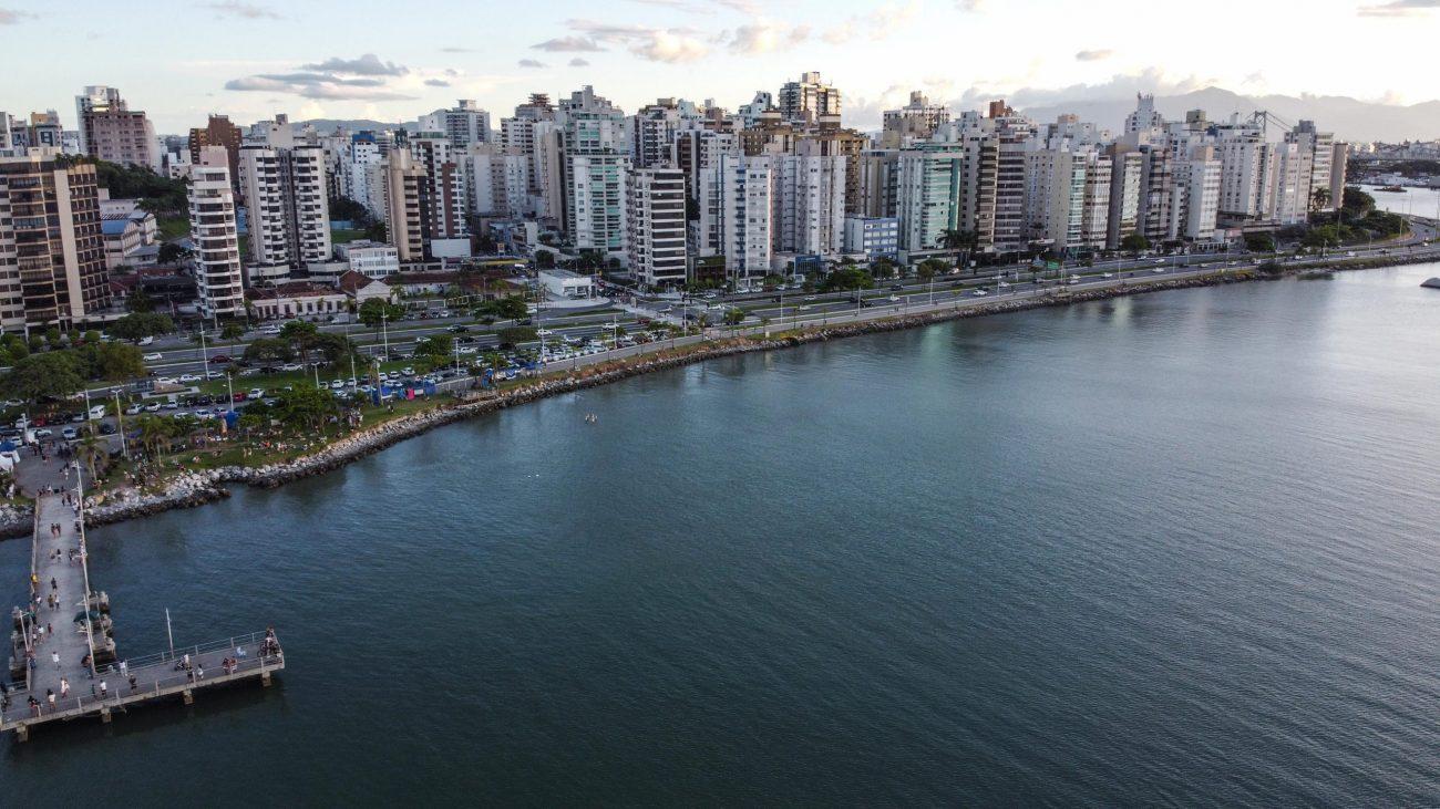 Florianópolis tem sua economia alicerçada nas atividades do comércio, prestação de serviços públicos, indústria de transformação e turismo. - Anderson Coelho/ND