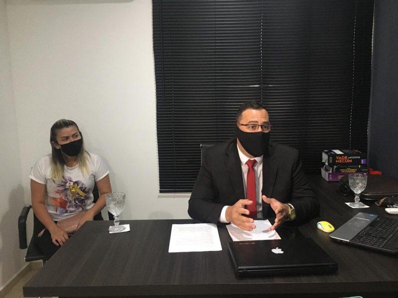 Rebeca de Albuquerque e Tiago de Souza, advogado das vítimas