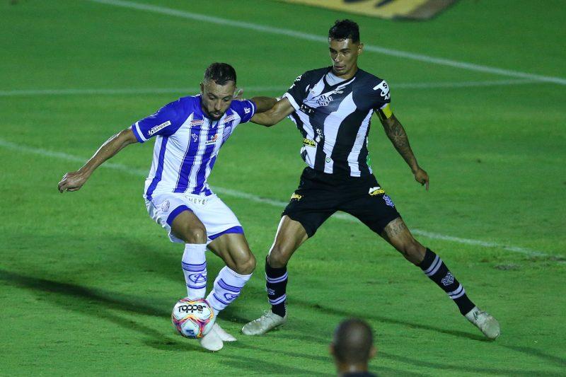 Figueirense, de Vitor Mendes e CSA, de Paulo Sérgio; empate ruim para os dois. Foto: Cristiano Andujar/Ishoot/Estadão Conteúdo