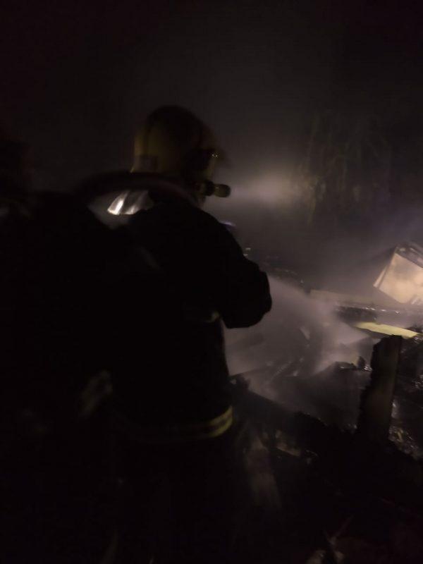 Ainda não se sabe como o incêndio teria iniciado – Foto: Corpo de Bombeiros Militar/Divulgação