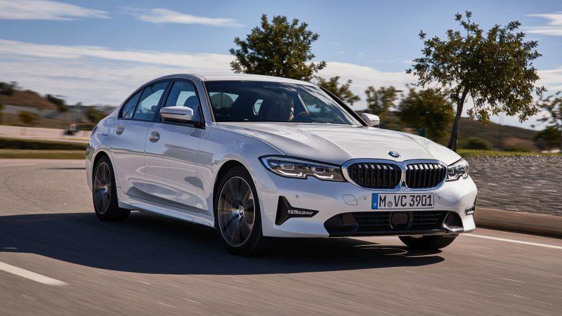 BMW Série 3 ganha motor flex e abertura da porta pelo celular - Divulgação/BMW
