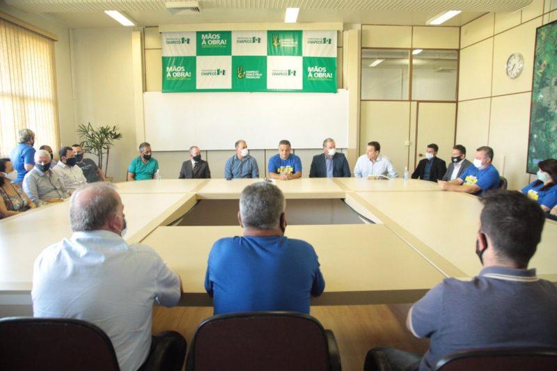 Reunião foi na sede da Prefeitura de Chapecó – Foto: Leandro Schmidt/Prefeitura de Chapecó/ND